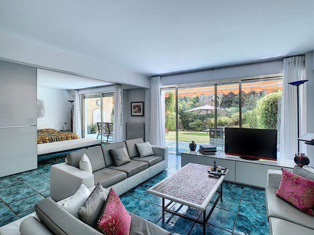 Appartement à vendre 3 103.68m2 à Cannes vignette-1