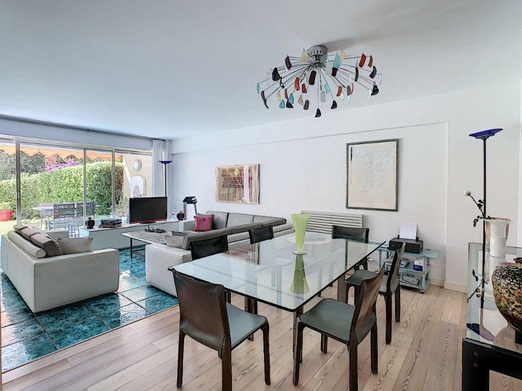 Appartement à vendre 3 103.68m2 à Cannes vignette-7