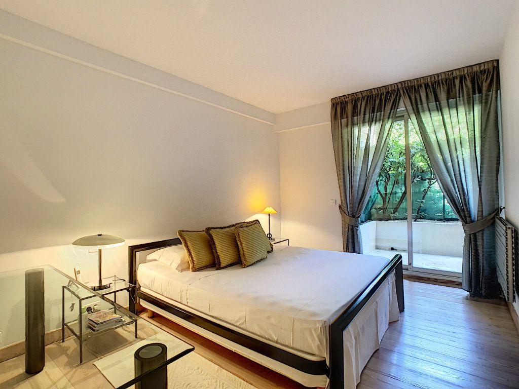 Appartement à vendre 3 103.68m2 à Cannes vignette-10