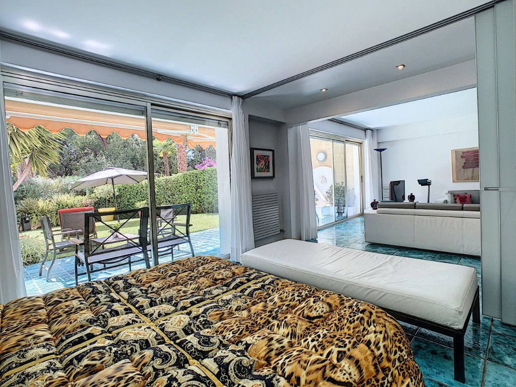 Appartement à vendre 3 103.68m2 à Cannes vignette-11