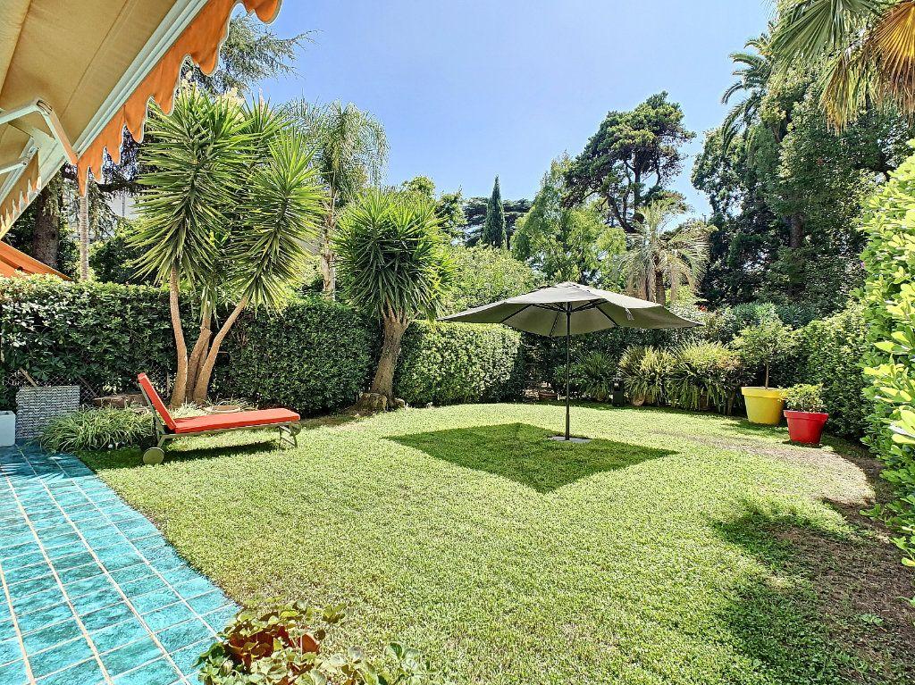 Appartement à vendre 3 103.68m2 à Cannes vignette-14