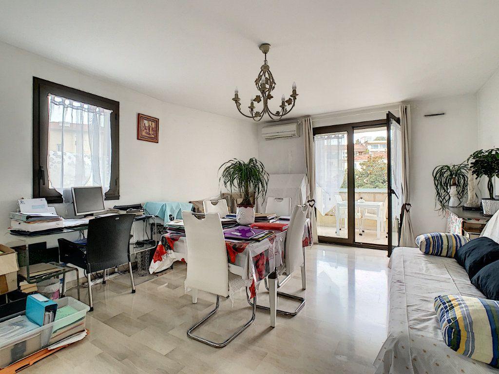 Appartement à vendre 2 52m2 à Cannes vignette-2