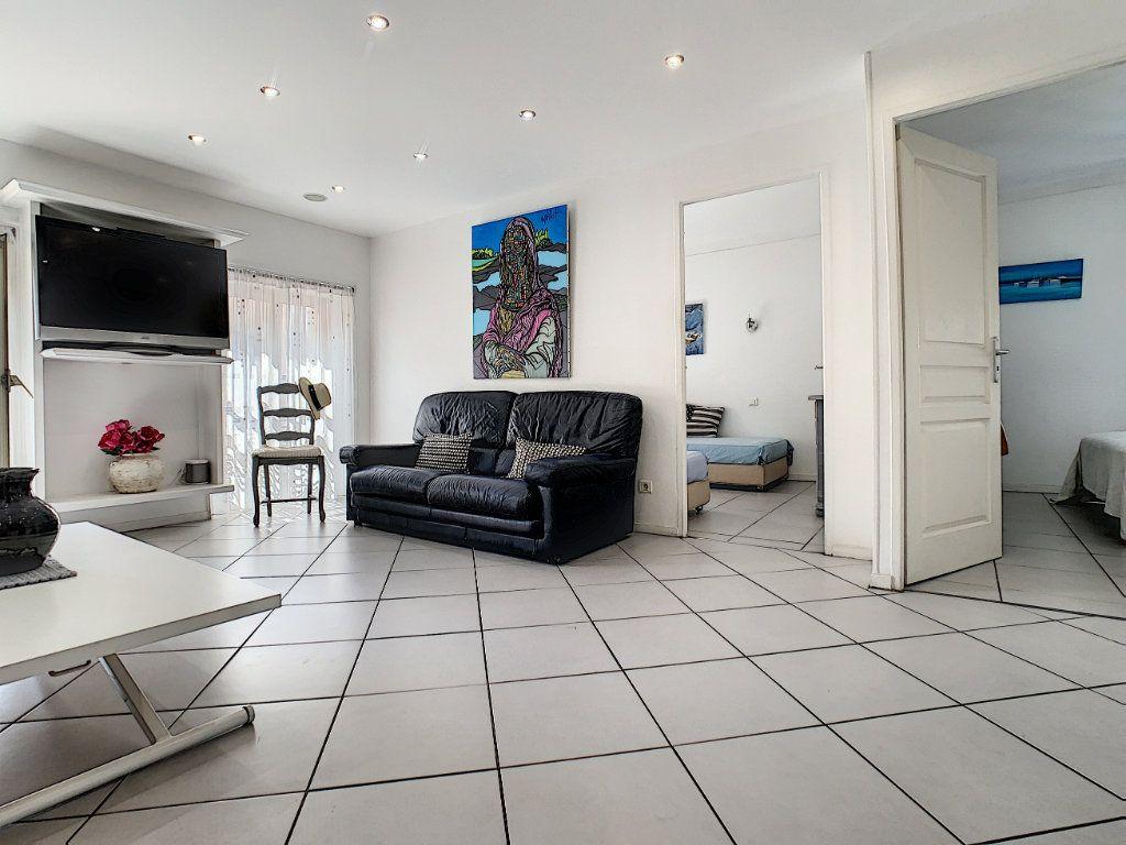 Appartement à vendre 3 52.4m2 à Cannes vignette-1