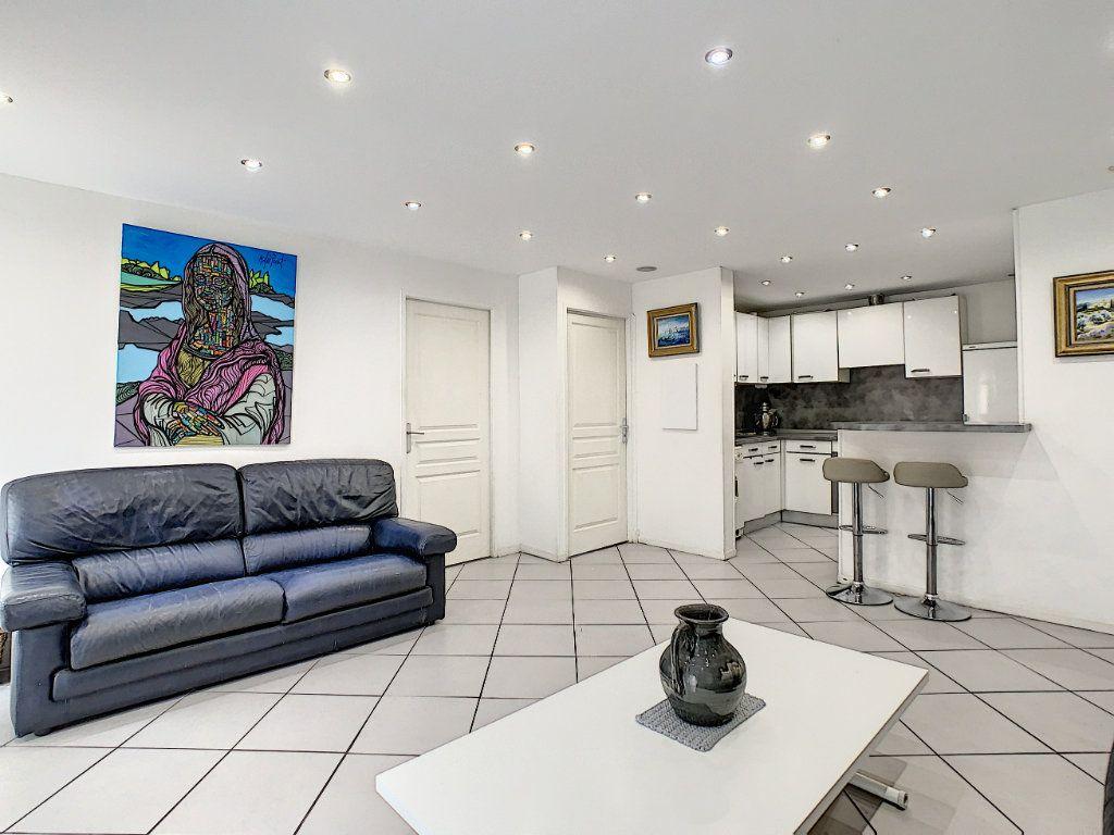Appartement à vendre 3 52.4m2 à Cannes vignette-4