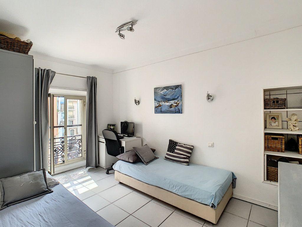 Appartement à vendre 3 52.4m2 à Cannes vignette-9