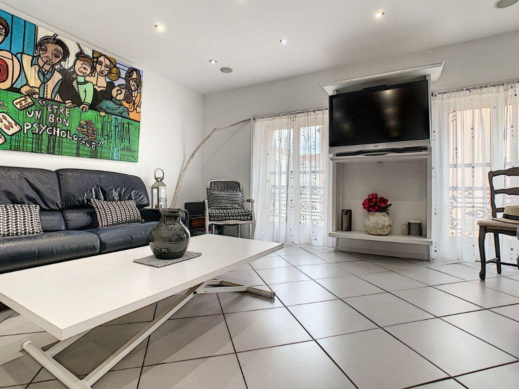 Appartement à vendre 3 52.4m2 à Cannes vignette-11