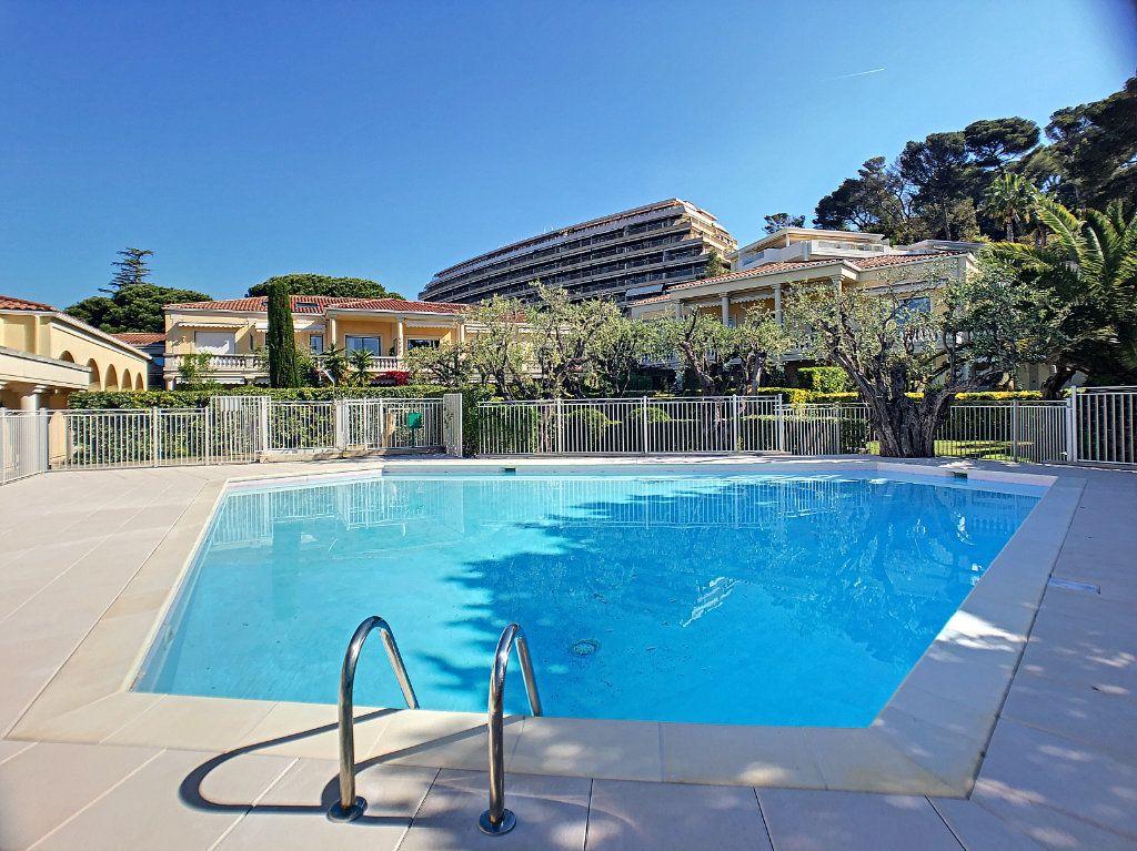 Appartement à vendre 4 118m2 à Cannes vignette-7