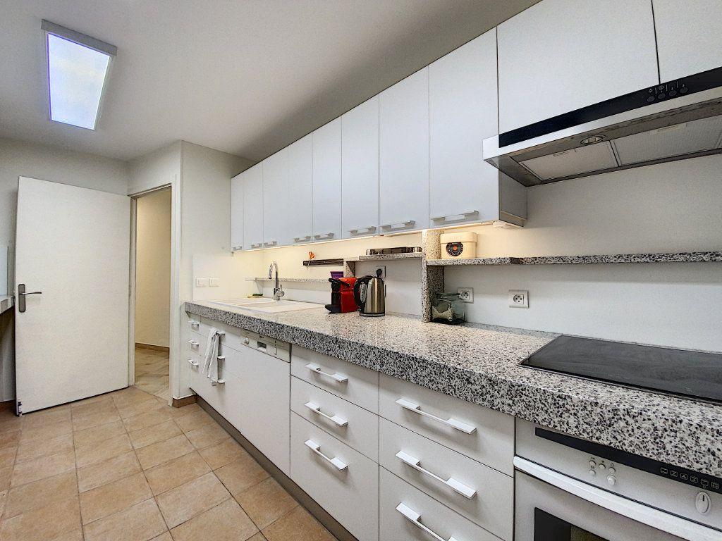 Appartement à vendre 4 118m2 à Cannes vignette-10