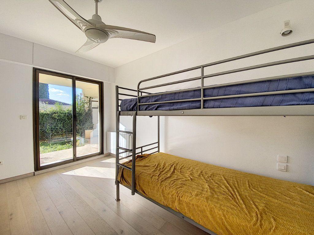 Appartement à vendre 4 118m2 à Cannes vignette-12