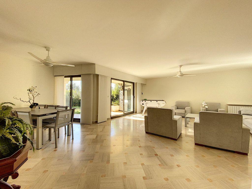 Appartement à vendre 4 118m2 à Cannes vignette-15