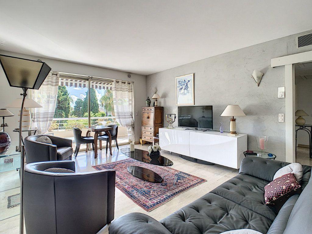 Appartement à vendre 2 54m2 à Cannes vignette-2