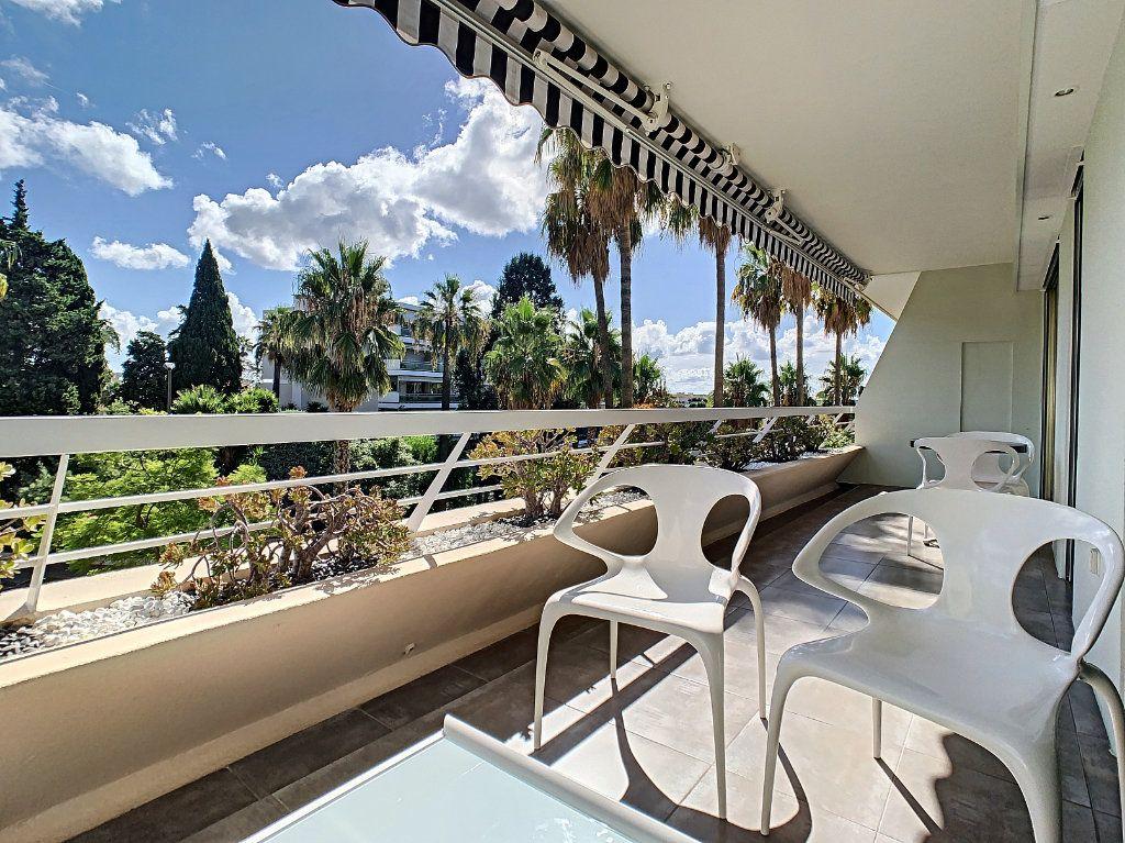 Appartement à vendre 2 54m2 à Cannes vignette-3