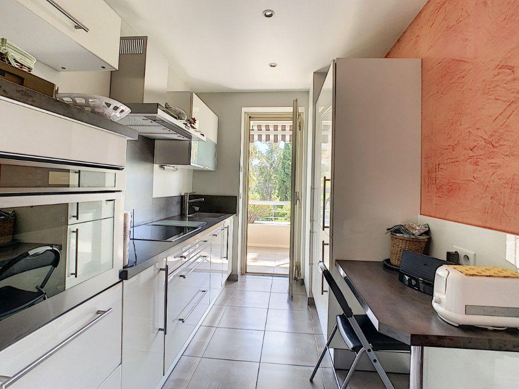 Appartement à vendre 2 54m2 à Cannes vignette-4