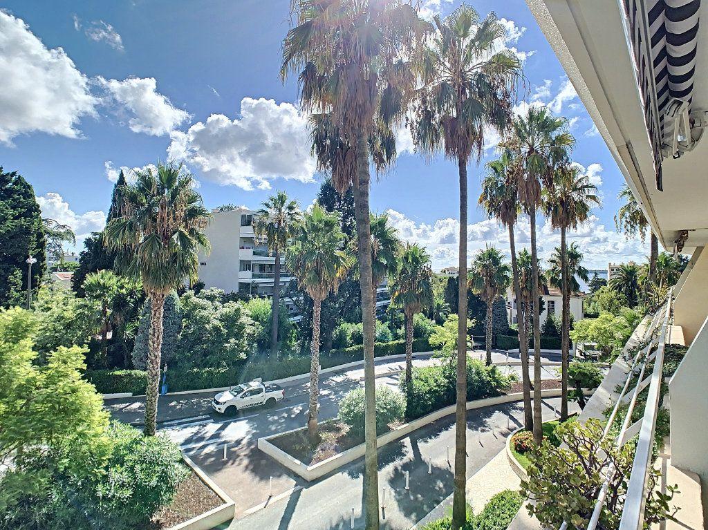 Appartement à vendre 2 54m2 à Cannes vignette-9