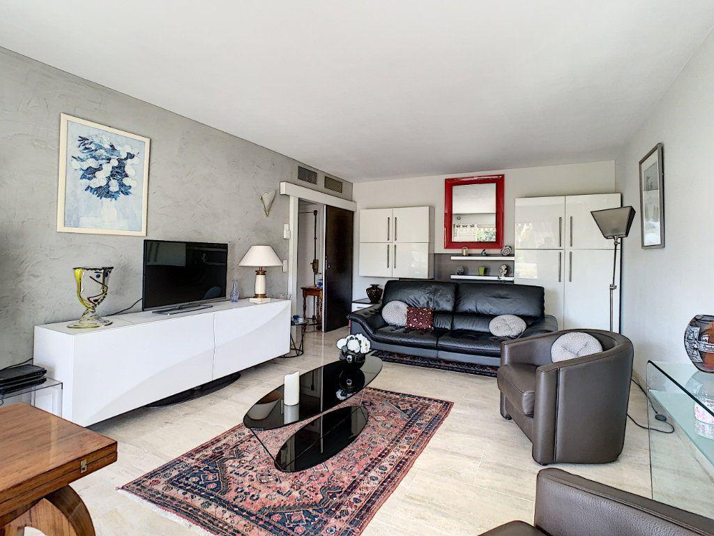 Appartement à vendre 2 54m2 à Cannes vignette-12