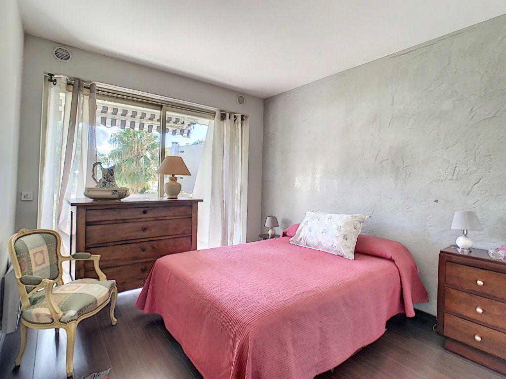 Appartement à vendre 2 54m2 à Cannes vignette-14