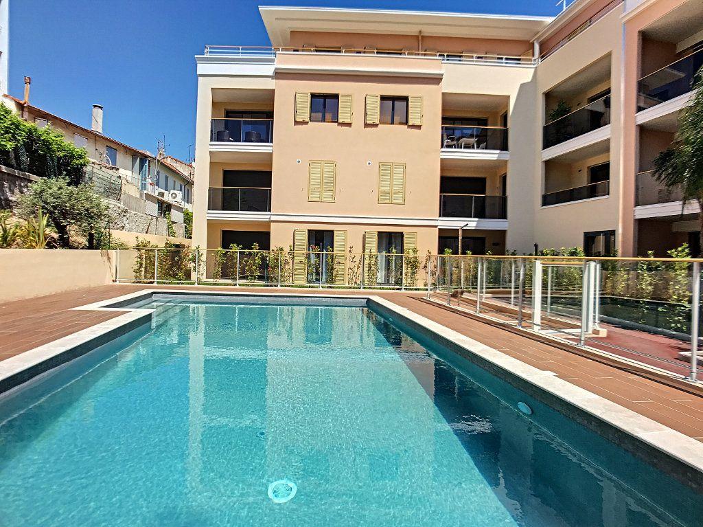 Appartement à vendre 2 42m2 à Cannes vignette-1