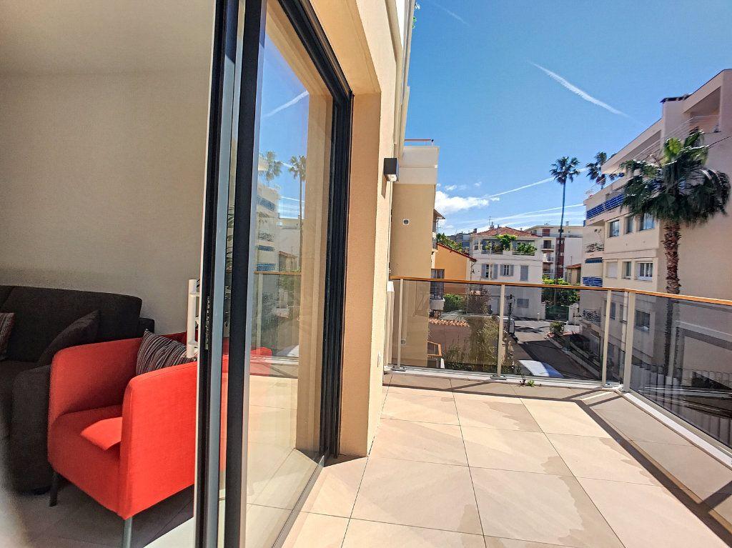 Appartement à vendre 2 42m2 à Cannes vignette-4