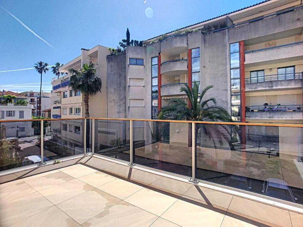 Appartement à vendre 2 42m2 à Cannes vignette-5