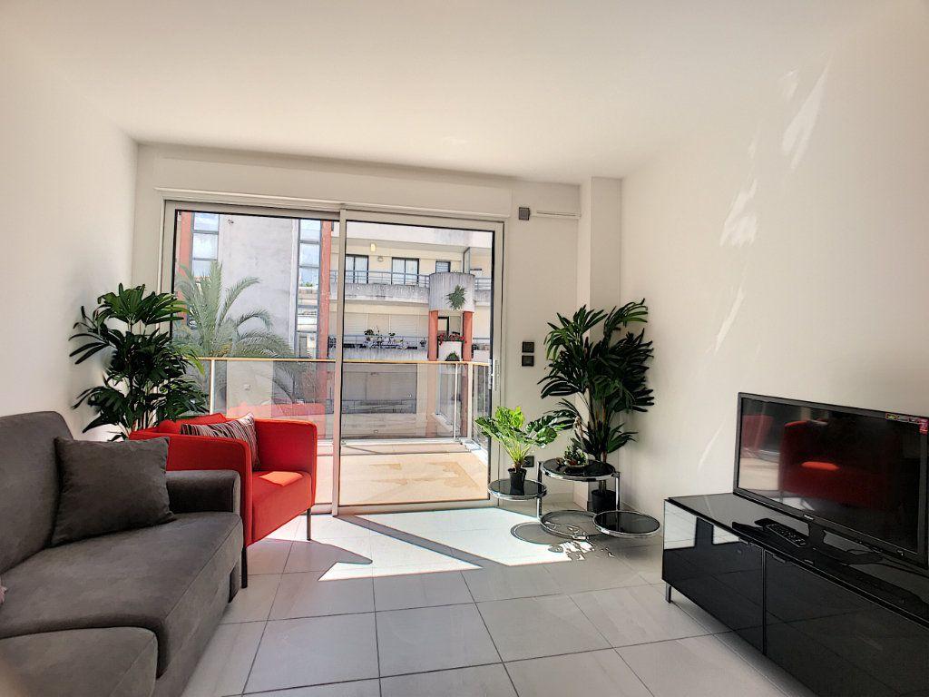 Appartement à vendre 2 42m2 à Cannes vignette-7