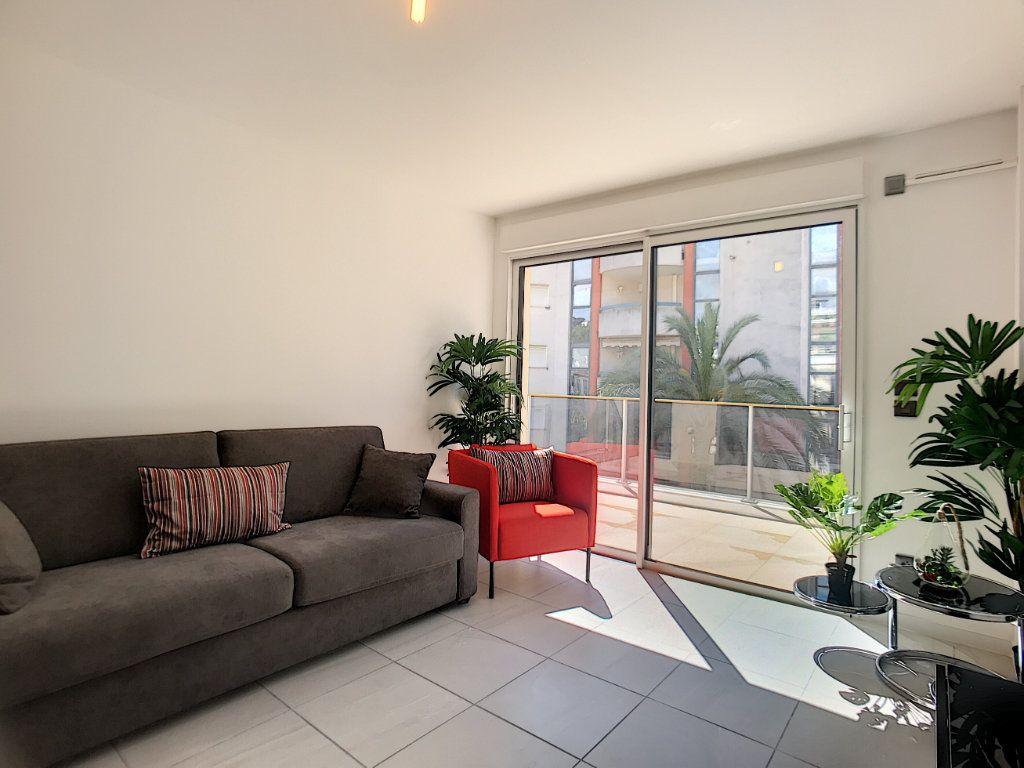 Appartement à vendre 2 42m2 à Cannes vignette-8