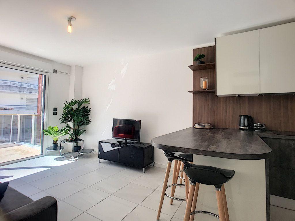 Appartement à vendre 2 42m2 à Cannes vignette-10