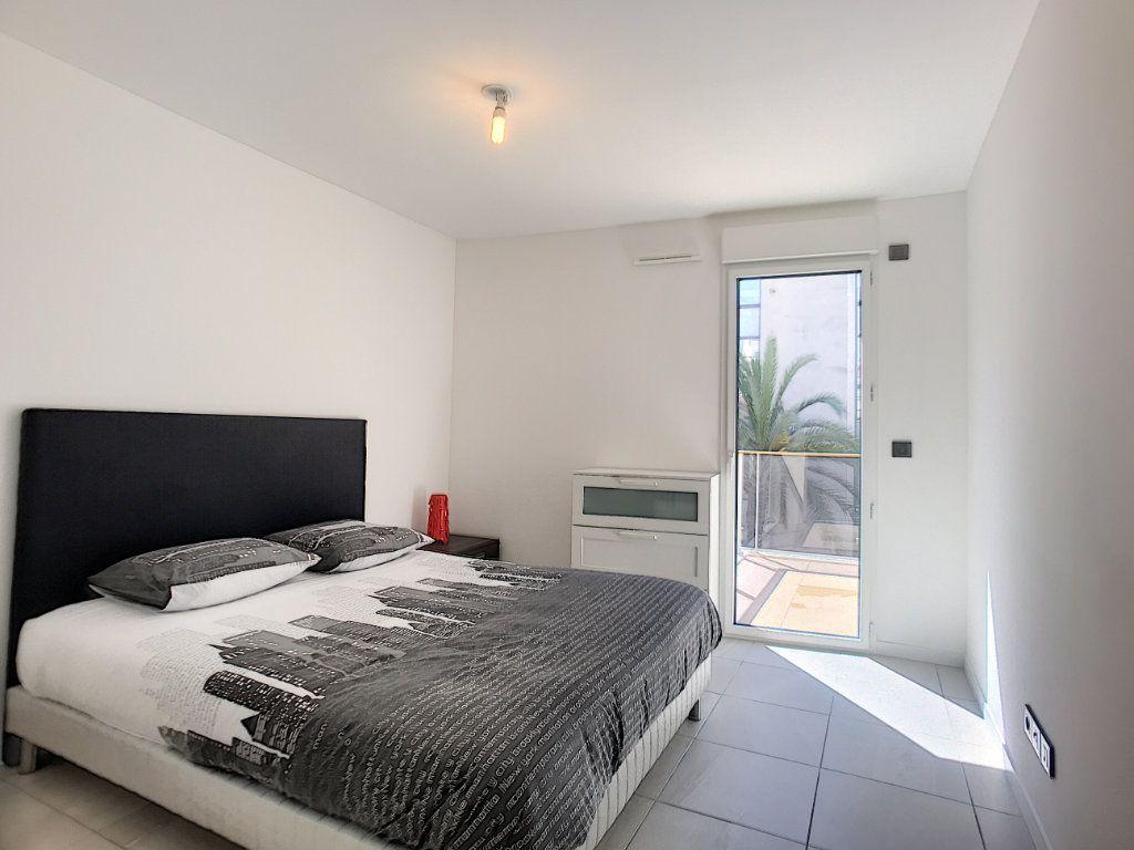 Appartement à vendre 2 42m2 à Cannes vignette-13