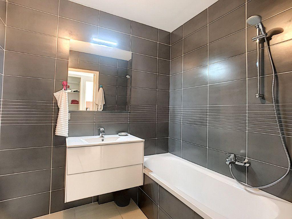 Appartement à vendre 2 42m2 à Cannes vignette-15