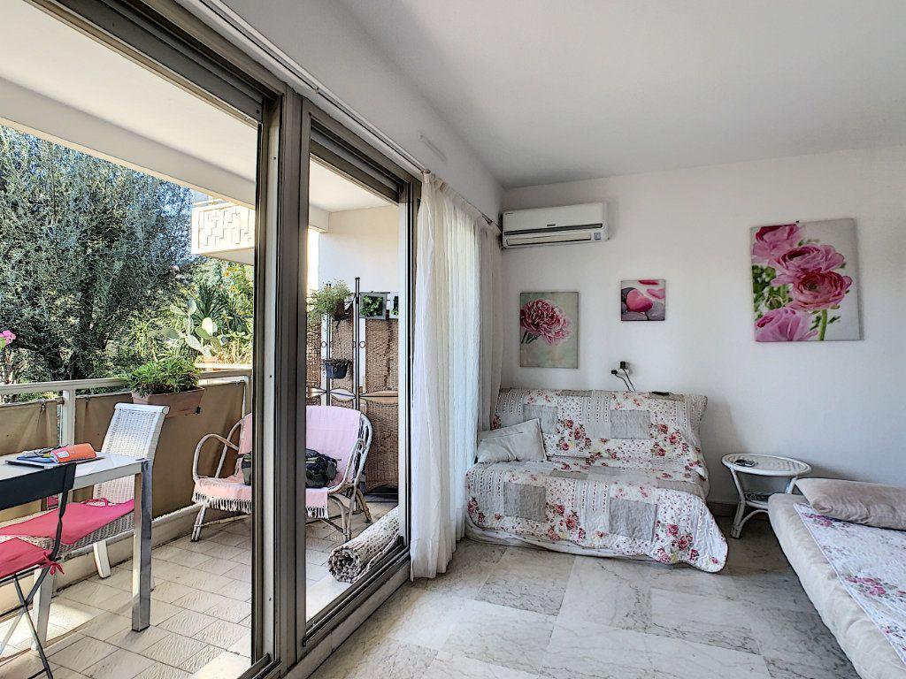 Appartement à vendre 1 22.35m2 à Cannes vignette-3
