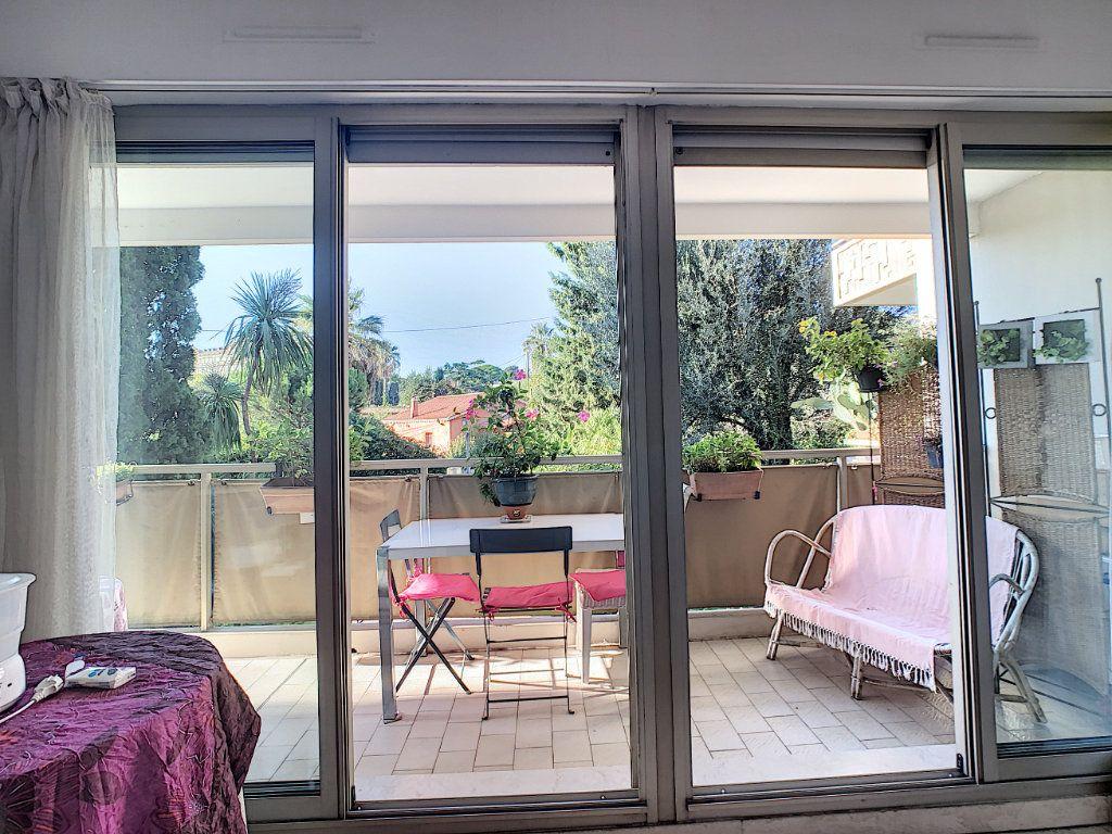 Appartement à vendre 1 22.35m2 à Cannes vignette-4