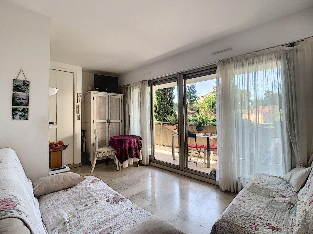 Appartement à vendre 1 22.35m2 à Cannes vignette-5