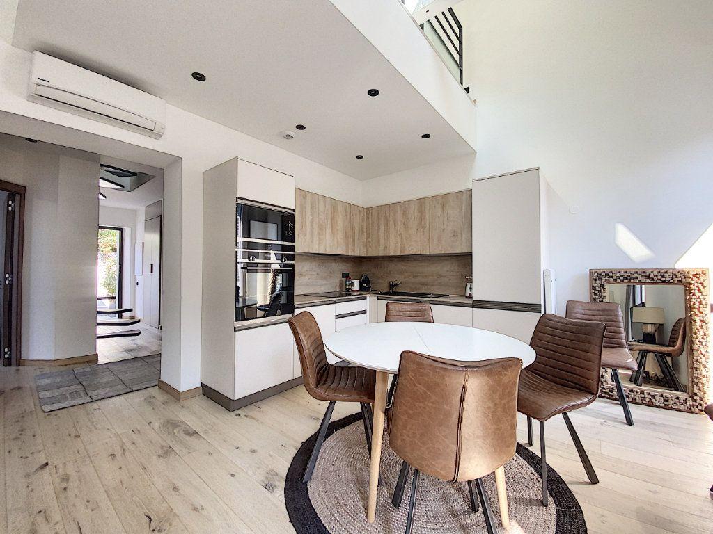 Appartement à vendre 3 60.81m2 à Cannes vignette-13