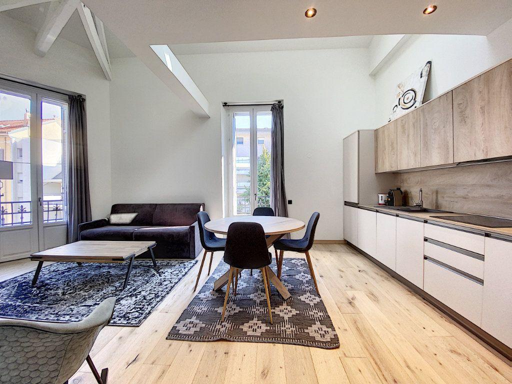 Appartement à vendre 3 60.81m2 à Cannes vignette-5