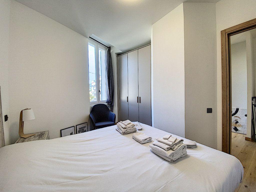 Appartement à vendre 3 60.81m2 à Cannes vignette-12
