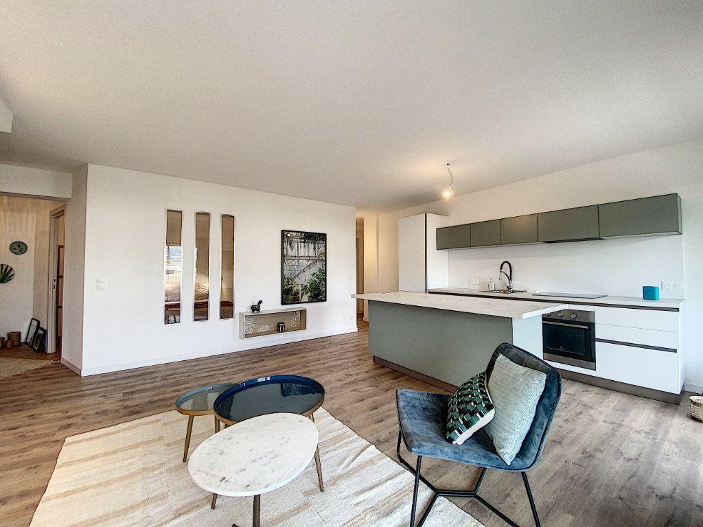 Appartement à vendre 3 63.12m2 à Cannes vignette-1