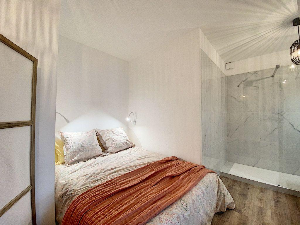 Appartement à vendre 3 63.12m2 à Cannes vignette-3