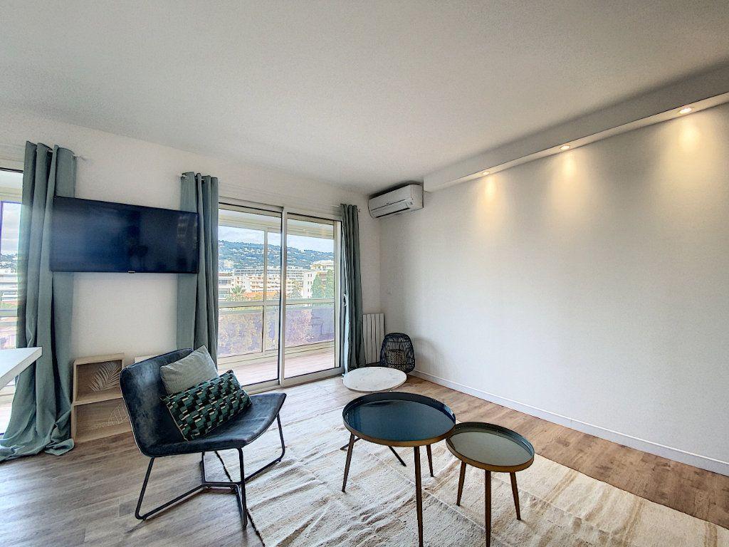 Appartement à vendre 3 63.12m2 à Cannes vignette-6