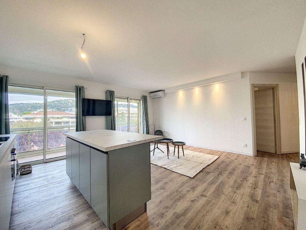 Appartement à vendre 3 63.12m2 à Cannes vignette-7