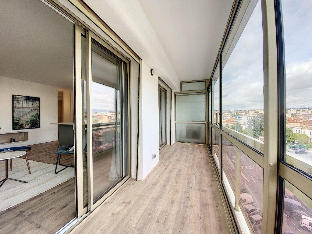 Appartement à vendre 3 63.12m2 à Cannes vignette-14