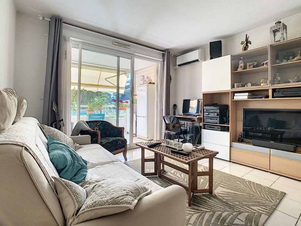 Appartement à vendre 2 45.1m2 à Cannes vignette-8