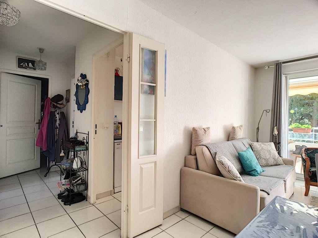 Appartement à vendre 2 45.1m2 à Cannes vignette-10
