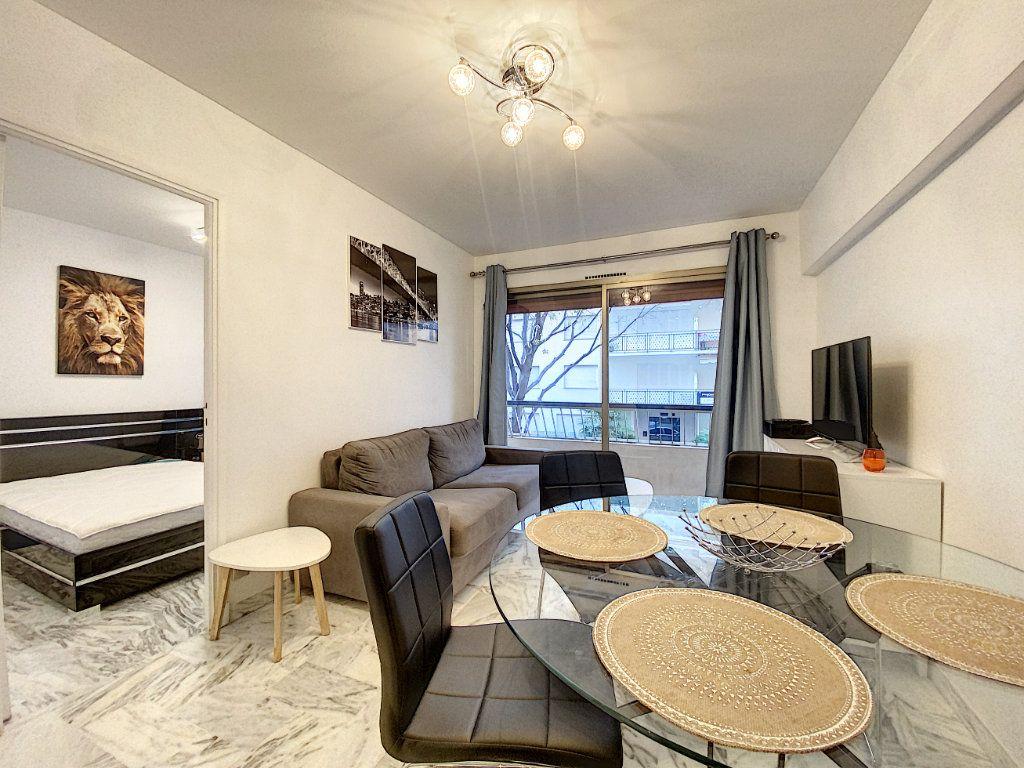 Appartement à vendre 2 31.56m2 à Cannes vignette-1