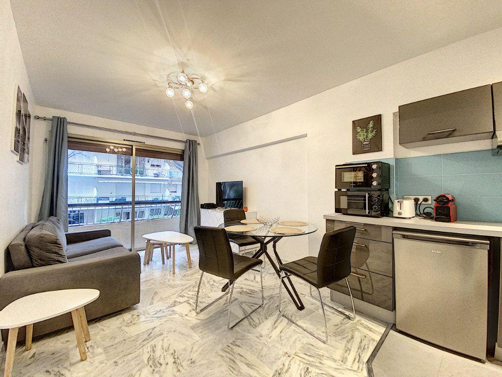 Appartement à vendre 2 31.56m2 à Cannes vignette-2