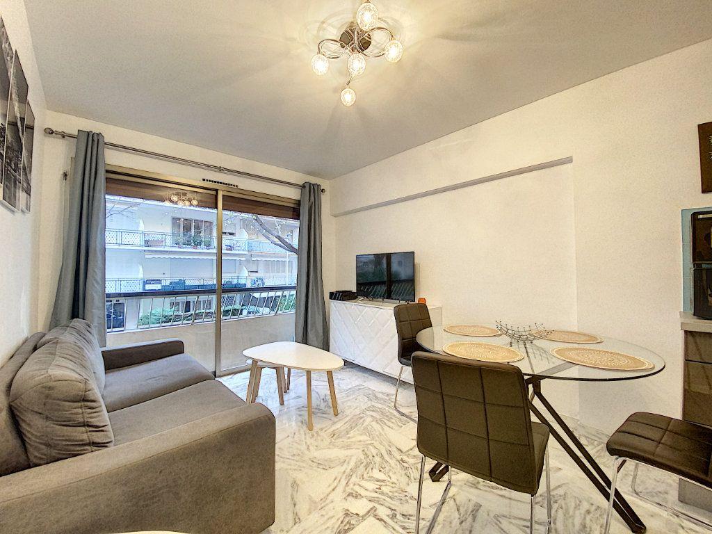 Appartement à vendre 2 31.56m2 à Cannes vignette-3