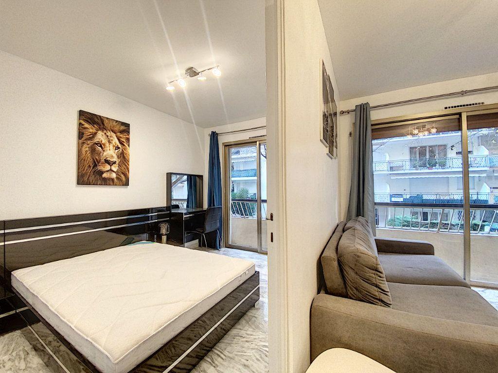 Appartement à vendre 2 31.56m2 à Cannes vignette-7