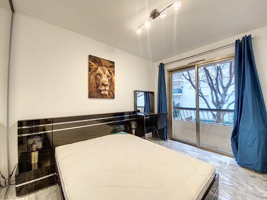 Appartement à vendre 2 31.56m2 à Cannes vignette-8