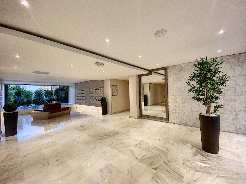 Appartement à vendre 2 31.56m2 à Cannes vignette-12