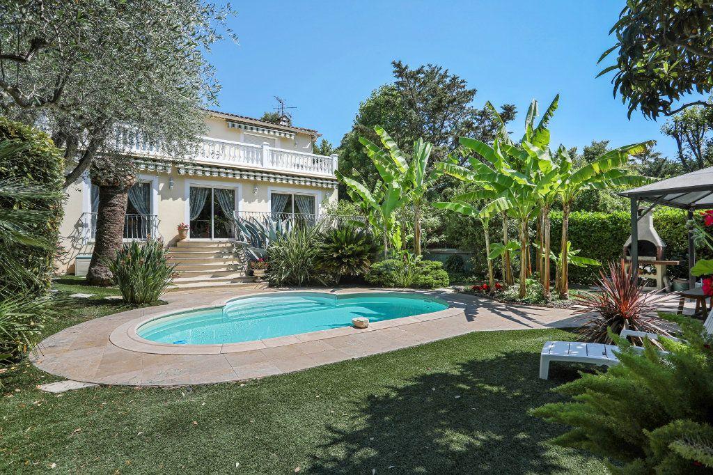 Maison à vendre 5 205m2 à Cannes vignette-1