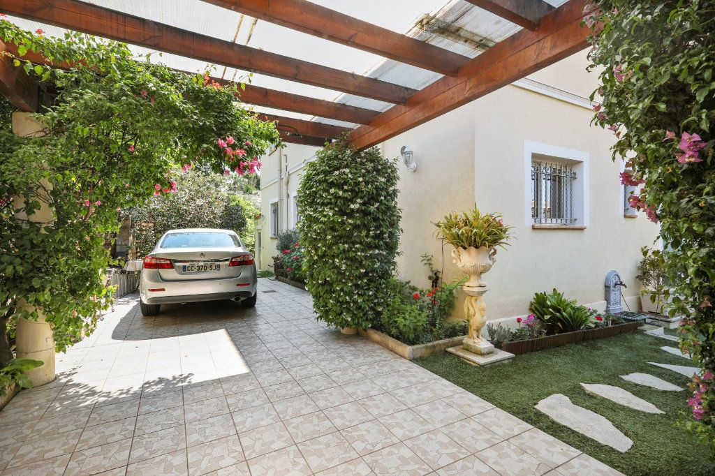 Maison à vendre 5 205m2 à Cannes vignette-5