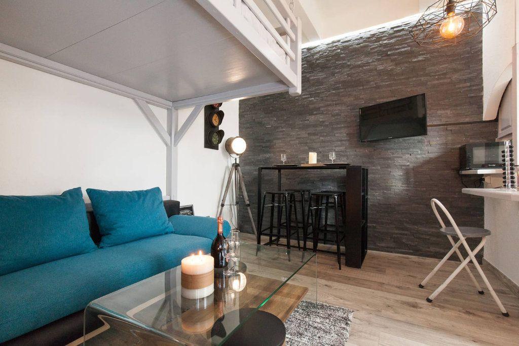 Appartement à vendre 1 18.85m2 à Cannes vignette-9